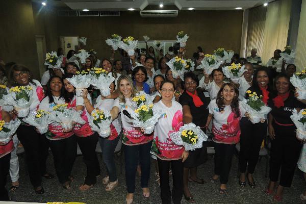 PRB Mulher Bahia presta homenagem às mulheres