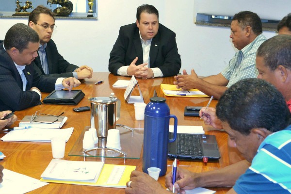 Julio Cesar recebe Federação das Ligas Esportivas de Futebol Amador do DF