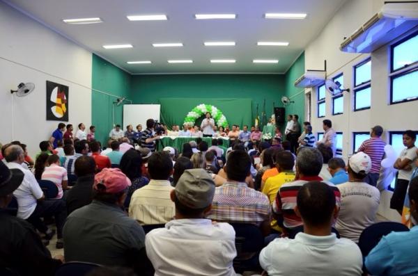 04_09_13_destaque05_ce_prb_ceara_realiza_encontro_regional_em_boa_viagem02