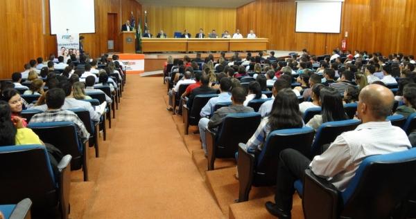 05_04_13_municipios01_go_prb-rogerio_cruz_palestra_para_lideres001