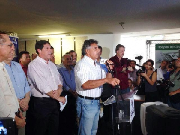 Beto elogia investimentos do estado para reforma do hospital dos estivadores