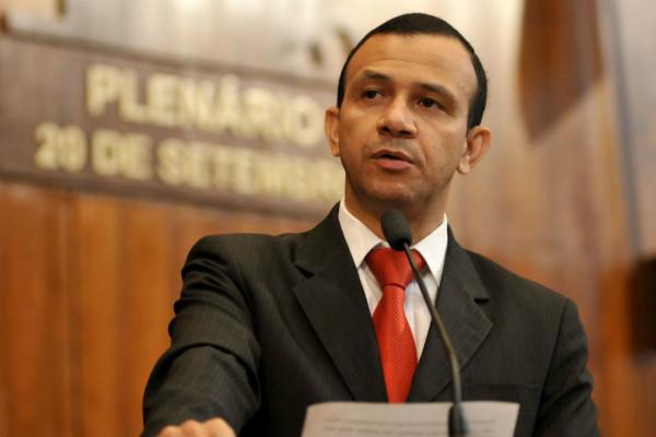 Lei de Carlos Gomes pune trotes telefônicos