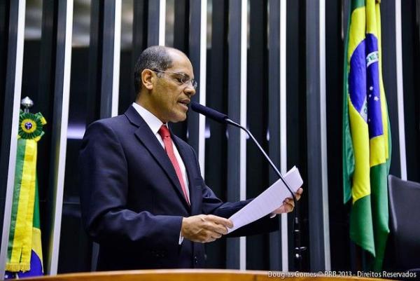 09_09_13_vitor_paulo_defende_regularizacao_areas_publicas