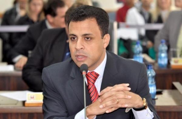 Valdemir Soares pede transparência em licitações