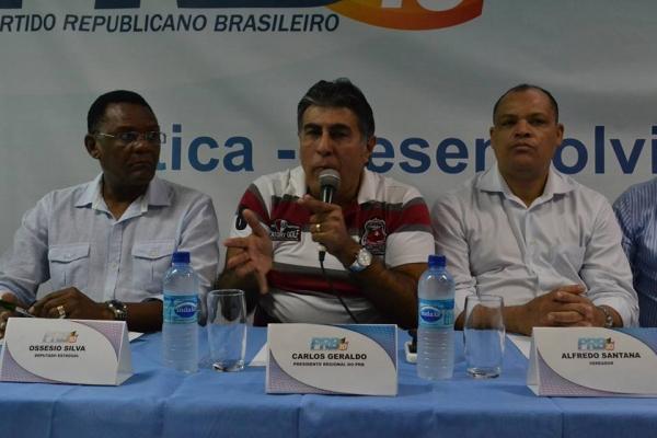 10_07_13_destaque05_pe_carlos_geraldo_apresenta_propostas_primeiro_encontro_regional001