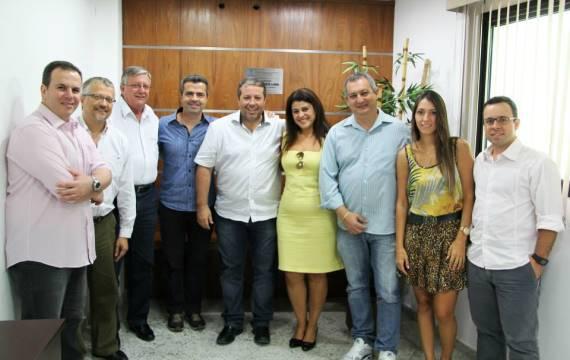 Paulo Emílio recebe deputado Bulhões em Praia Grande