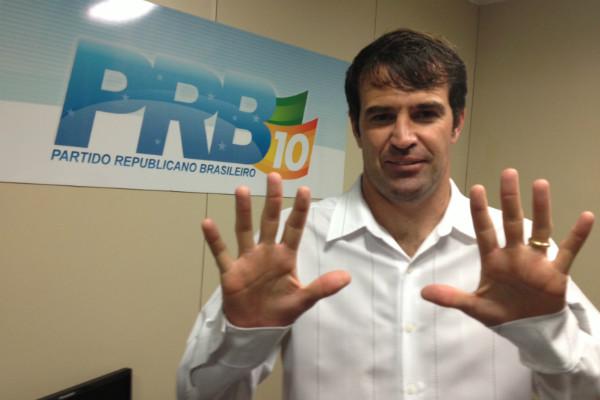 PRB marca mais um gol com filiação de Gerson