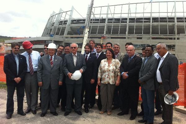 Ossesio Silva visita Arena Pernambuco