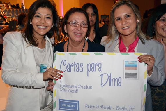 14_08_13_destaque02_sp_presidenta_dilma_recebe_carta_prb_mulher_paulista001