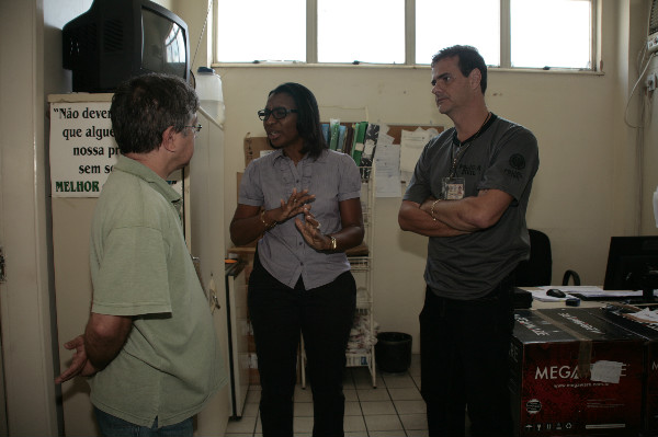 Rosangela Gomes visita IML de Nova Iguaçu