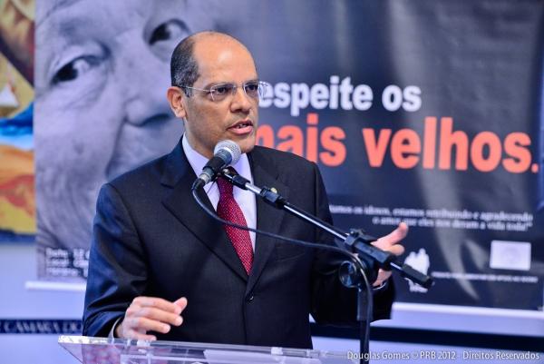 18_04_13_destaque03_rj_vitor_paulo_campanha_nacional_contra_violencia_idosos