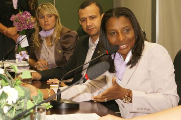 Alternativas para mulheres detentas pautam debate na Assembleia Legislativa