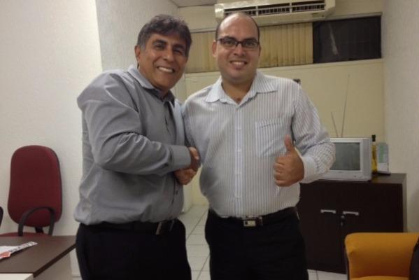 Presidente Carlos Geraldo recebe Thiago Gouveia