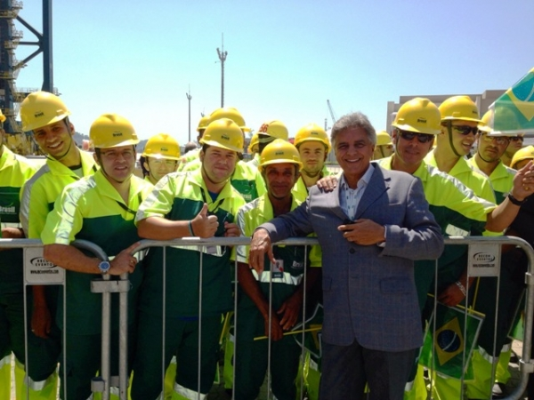 Beto prestigia abertura da Brasil Terminal Portuário