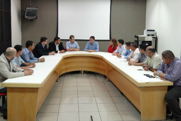Coordenador nacional do PRB Juventude se reúne com liderança de Goiás