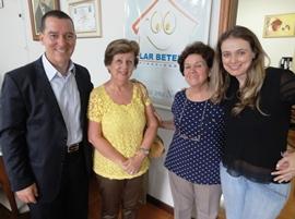 Vinicius Carvalho visita projeto social em Poá (SP)