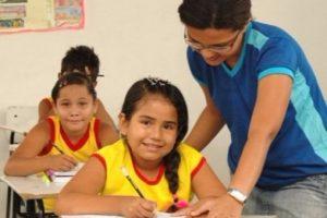 Mecias quer ampliar vagas na rede de ensino em Boa Vista