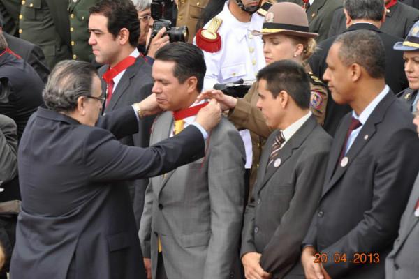 24_04_13_atuacao02_mg_prb-carlos_henrique_condecorado_medalha_inconfidencia
