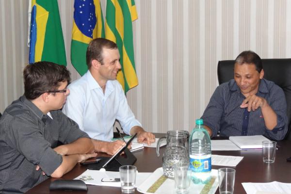 Juventude se reúne com presidente do PRB Goiás