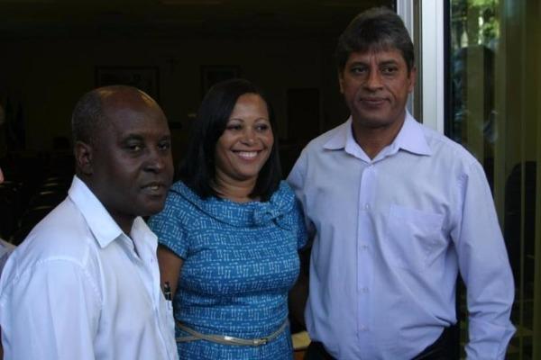 Neli Gomes é a candidata do PRB para prefeita de Santana do Paraíso (MG)