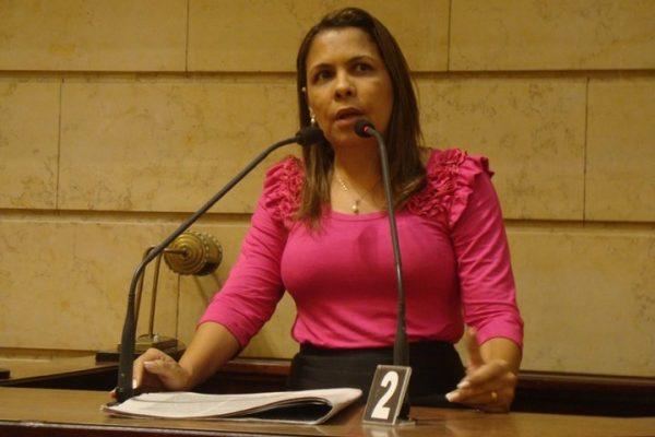 26_07_13_municipios02_vereadora_indica_projeto_para_beneficiar_autistas