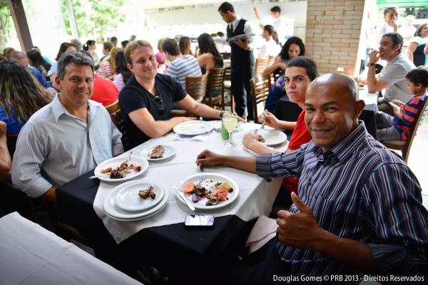 26_11_13_destaque02_df_prb_realiza_animada_confraternizacao_brasilia006