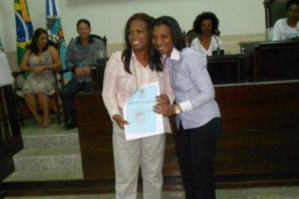 Rosangela Gomes homenageia mulheres negras em Nova Iguaçu