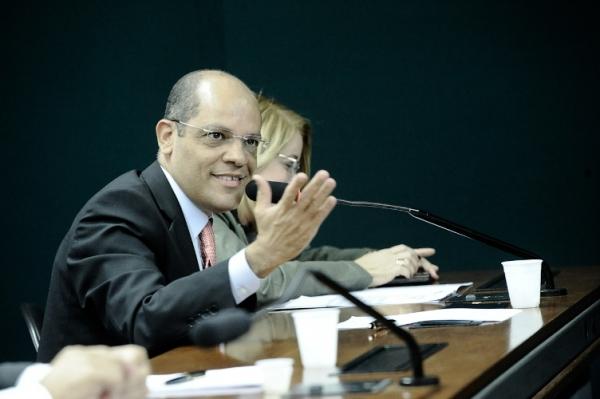 28_1_13_destaque02_rj_vitor_paulo_mais_produtivo_brasil