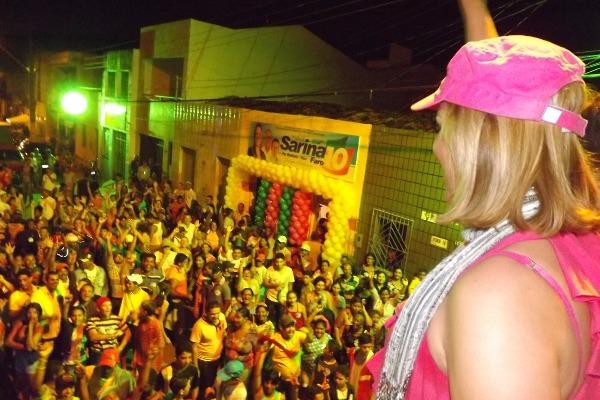 Sarina Faro agita o povo na estreia do Comitê em Sergipe