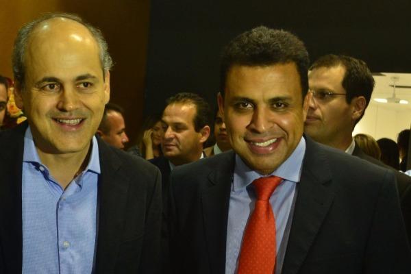 Prefeito de Curitiba apoia projetos de Valdemir Soares