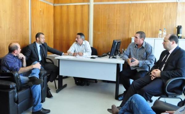 Carlos Gomes solicita liberação de recursos para hospital de Iraí