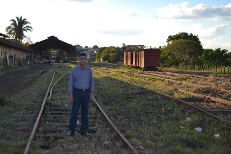 Cemiterio-vagoes-retirado-estacao-desativada-Sao-Paulo-pedido-Sebastiao-Santos-prb-002-12-06-14