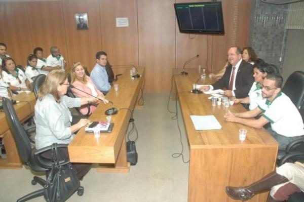 Equoterapia é tema de debate como serviço de habilitação, reabilitação e promoção social na Bahia