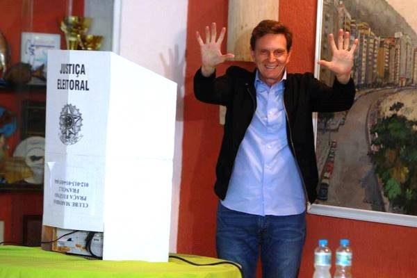 Marcelo-Crivella-PRB-eleito-prefeito-Rio -de-Janeiro-foto1-ascom-30-10-2016