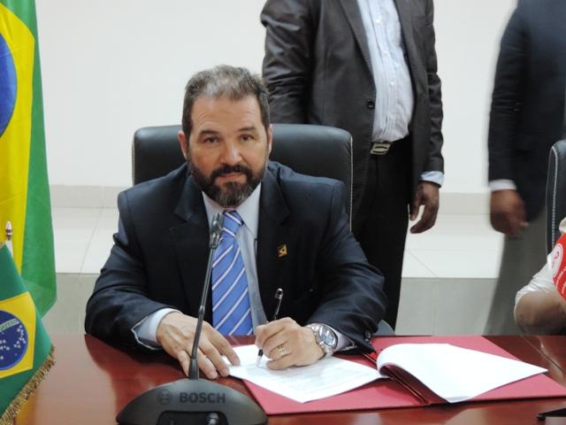 Ministro -Eduardo-Lopes-fortalece-cooperação-Sul-Sul-na-Angola-foto-ascom-mpa-002
