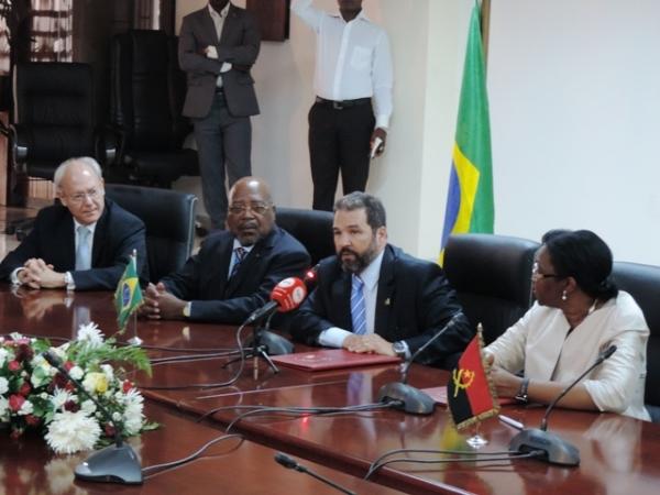 Ministro Eduardo Lopes fortalece cooperação Sul-Sul na Angola