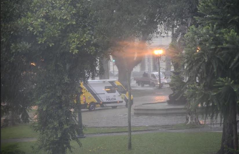 Modulo-da-Policia-Militar-na-Praca-Eufrasio-Correia-resposta-de-pedido-de-Valdemir-Soares-foto-ascom-valdemir-soares-002