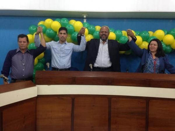 Novo-diretorio-PRB-e-instalado-Itatiaia-no-Rio-de-Janeiro-002-17-06-14