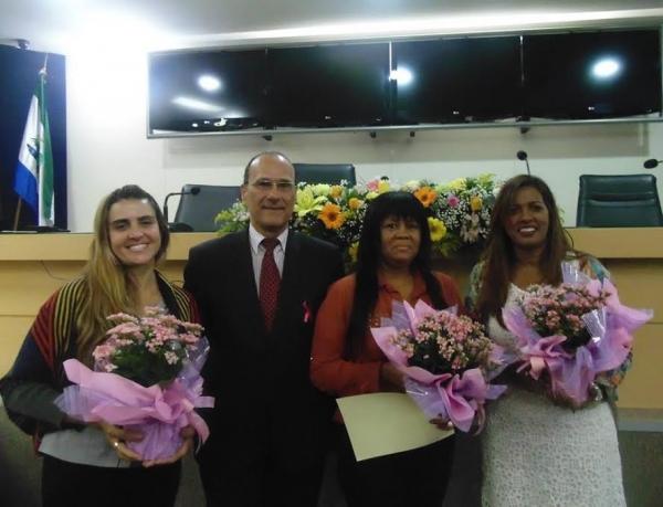 Professores recebem homenagem na Câmara Municipal da Serra