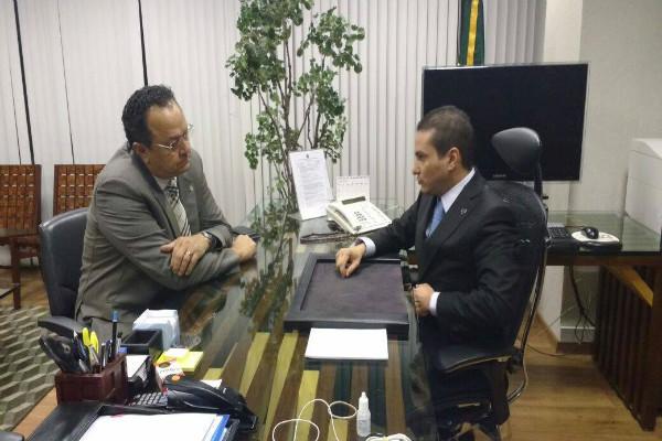 Ministro da Indústria e Comércio reafirma compromisso com a Zona Franca de Manaus