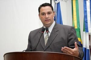 Vereador-Juarez-Amigo-do-Esporte-solicita-a-Prefeitura-de-Dourados-implantacao-de-centro-de-convivencia-no-Grande-Florida-prb-23-05-14