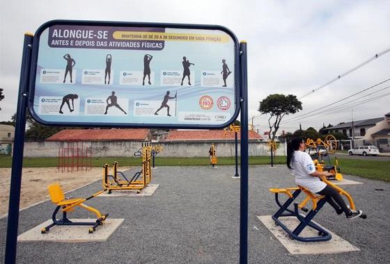 Valdemir destaca benefícios de academias ao ar livre