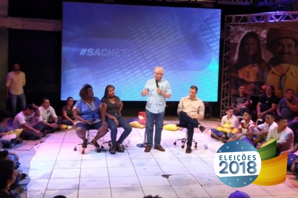 Adilton Sachetti propõe em roda de conversa que cidadão tenha arma em casa
