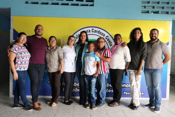 Adriana Leite visita secretarias da Prefeitura de Estância