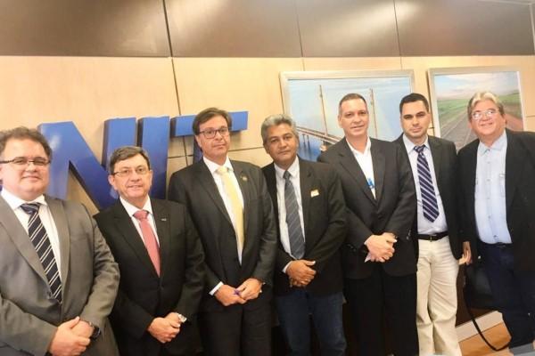 Adriano Rabelo busca apoio para regularização fundiária e federalização da TO-335