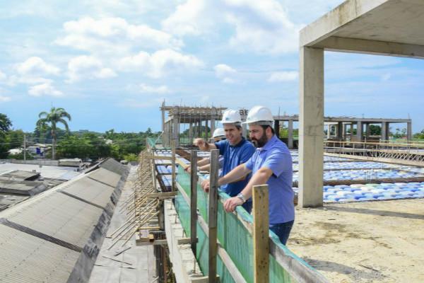 Alan Rick garante empenho de recursos para obras do shopping popular de Rio Branco