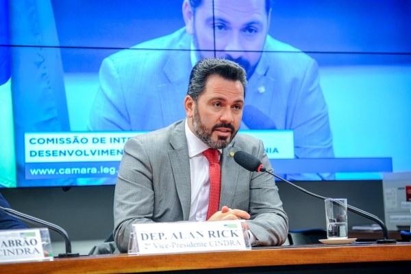 Alan Rick quer impulsionar desenvolvimento dos estados da Amazônia