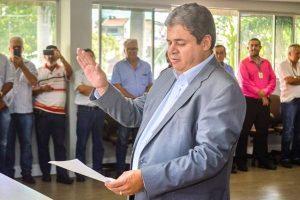 Republicano Alcindor Villarim toma posse como vereador em Campina Grande (PB)