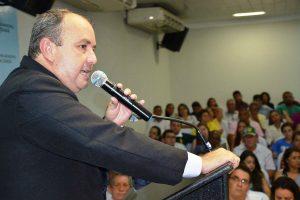 alcino-barcelos-prb-prefeito-pontes-lacerda-entrevista-foto-ascom-26-05-2017