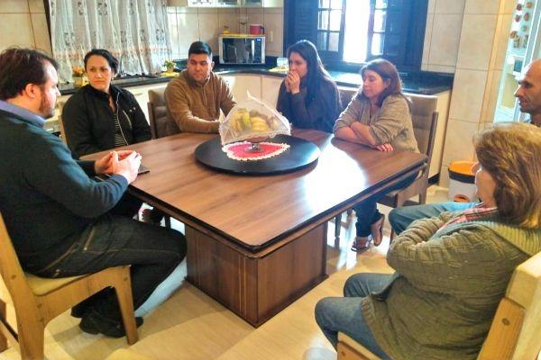 """Projeto """"Vereador na Minha Casa"""" visita bairro Ana Maria em Criciúma (SC)"""